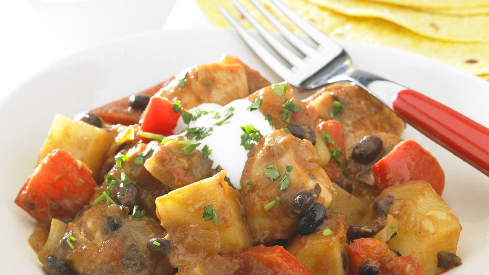 Spicy Potatoes with Chicken and Tomato