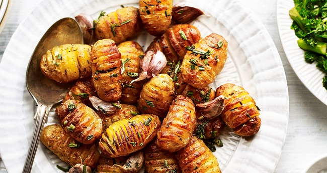 Mini Hasselback Potatoes with Rosemary and Garlic