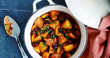 One Pot Potato & Pork Chilli Recipe