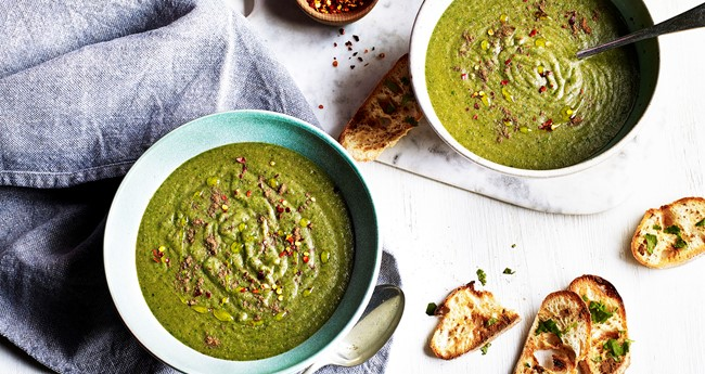 Aromatic Potato, Pea & Mint Soup with Garlic Toasts
