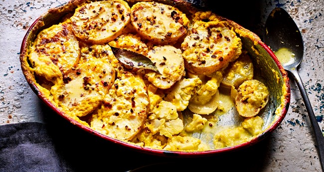Healthy potato dauphinoise with turmeric
